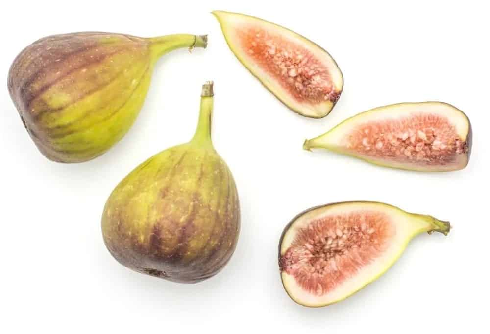 Whole and cut slices of caprifigs